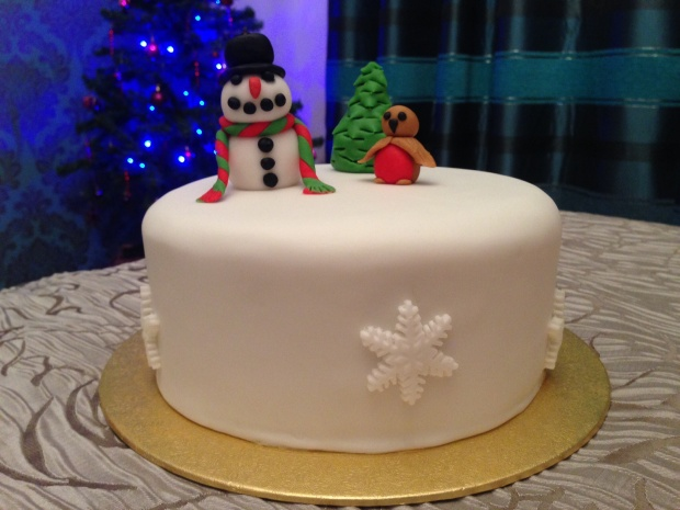 Frosty and Robin Christmas Cake