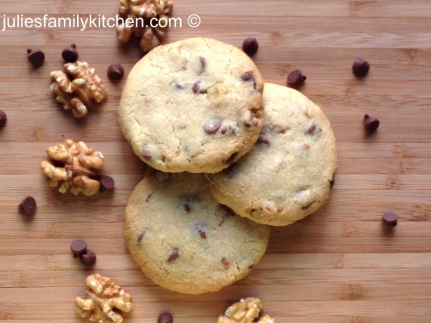 Milk Chocolate and Walnut Biscuits 22012014