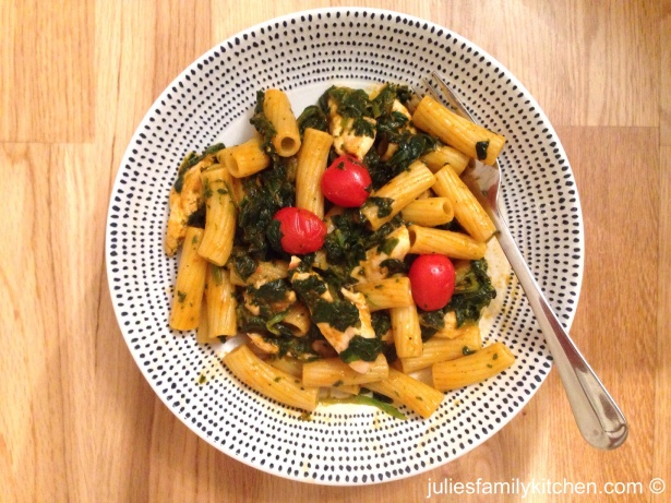 Chicken chilli pesto pasta