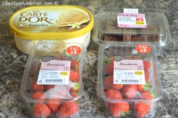 Strawberry brownie sundae ingredients
