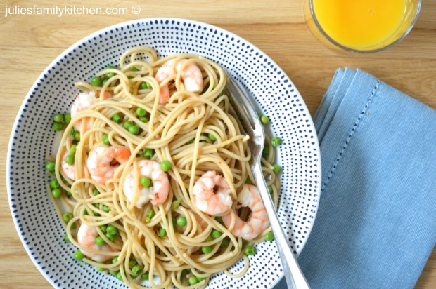 Spelt Spaghetti with Peas and Prawns