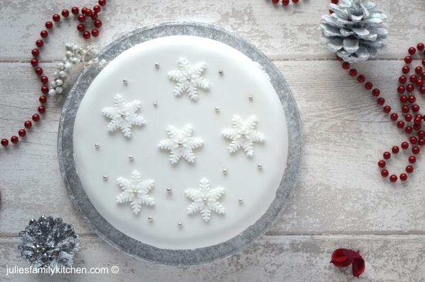 Snowflake Christmas Cake Julie's Family Kitchen